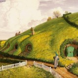 La nettezza urbana passa anche dalla casa degli Hobbit.