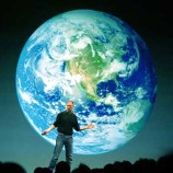 APPLE CEO STEVE JOBS SPEAKS IN LONDON AT THE LAUNCH OF THE EUROPEAN ITUNES ONLINE MUSIC STORE