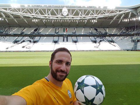 Higuain allo Juventus Stadium - FOTO: profilo ufficiale Facebook Gonzalo Gerardo Higuain