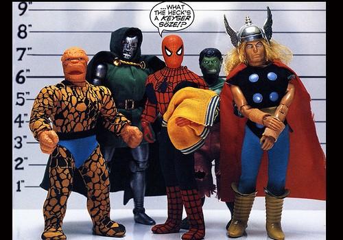 Il Twisted Toyfare Theatre, Supereroi senza fili