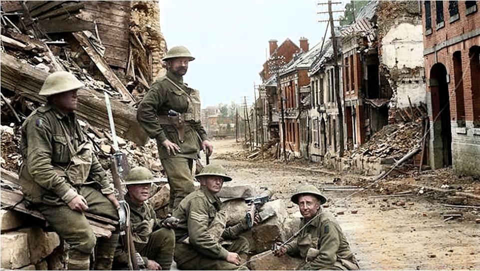Soldati astrialiani sul fronte francese, 1917, foto colorizzata.