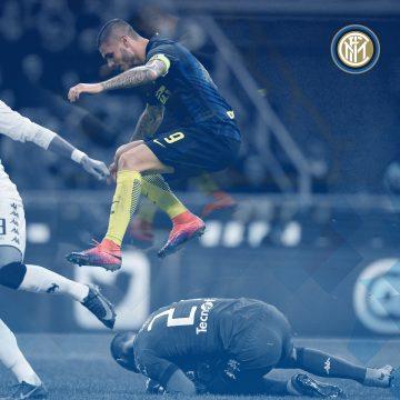Icardi pronto ad attentare alla vita di Hart - FOTO: profilo ufficiale Facebook Inter