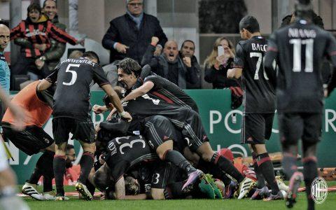I calciatori del Milan si dilettano in un'orgia dopo la rete di Locatelli - FOTO: AC Milan