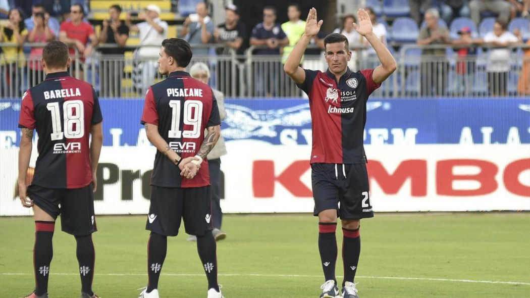 Simone Padoin (3° da sinistra) saluta i tifosi, foto: lapresse