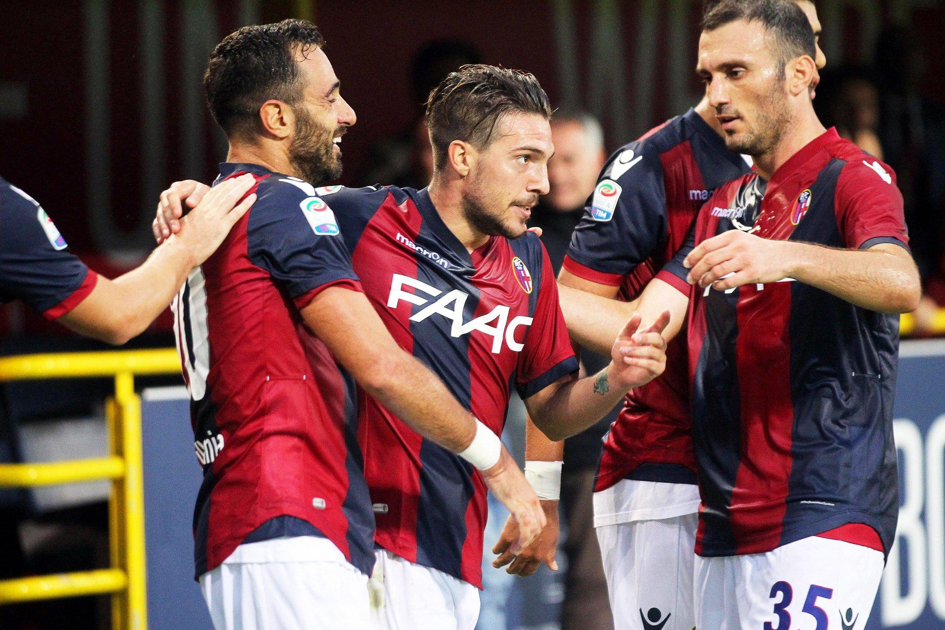Simone Verdi festeggiato dai compagni di squadra, foto: Giorgio Benvenuti/EPA