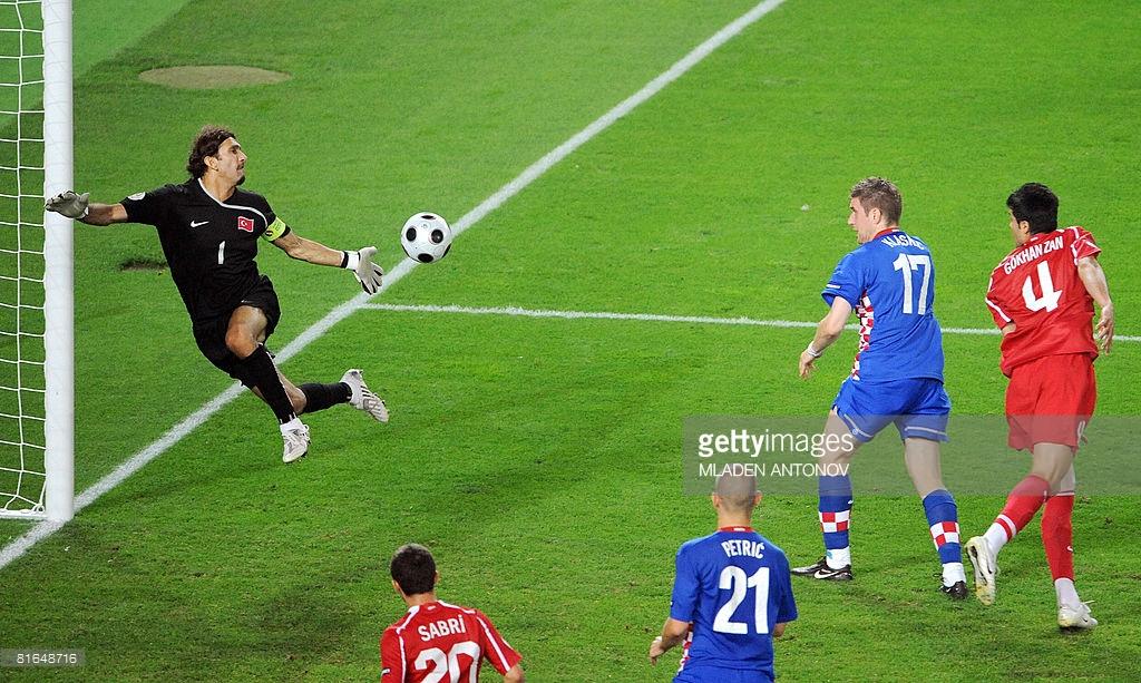 Il colpo di testa decisivo di Ivan Klasnic contro la Turchia ad Euro 2008, foto: gettyimages