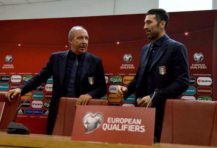 Giampiero Ventura e Gigi Buffon in conferenza stampa prima di Macedonia-Italia, foto: twitter @vivo_azzurro