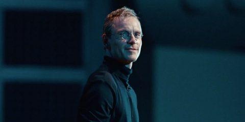 Michael Fassbender che interpreta Steve Jobs nel film di Danny Boyle