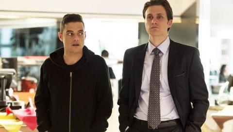 Tyrell e Elliott in una scena della serie mr robot