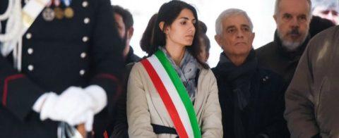 Virginia Raggi a Milano ai funerali di Dario Fo, Sabato 15 Ottobre