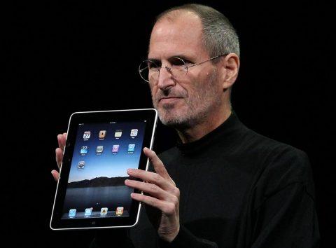 Durante il Keynote di Marzo 2010, Apple introduce iPad con il nuovo iOS 3.2