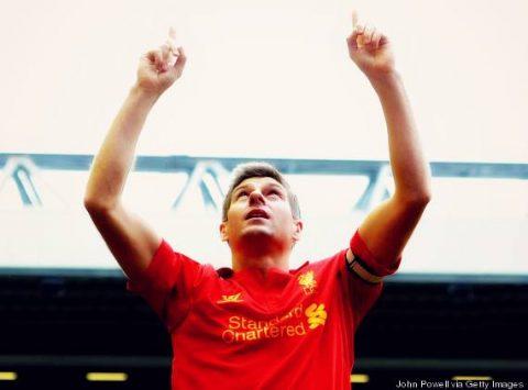 """Dalla biografia di Gerrard: """"Non l'ho mai detto a nessuno prima d'ora, ma è vero: io gioco per Jon Paul."""" (John Powell, via Getty Images)"""
