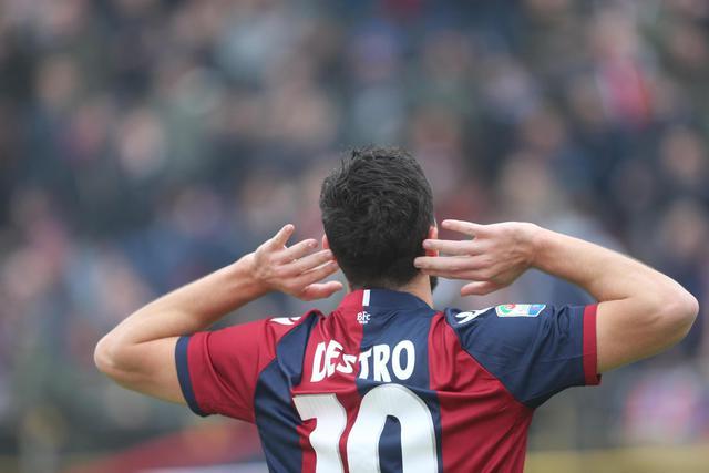 Serie A IMDI 13° turno: L'esultanza di Mattia Destro durante Bologna-Palermo, foto
