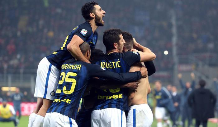 Serie A 13° turno: L'inter festeggia il gol di Ivan Perisic