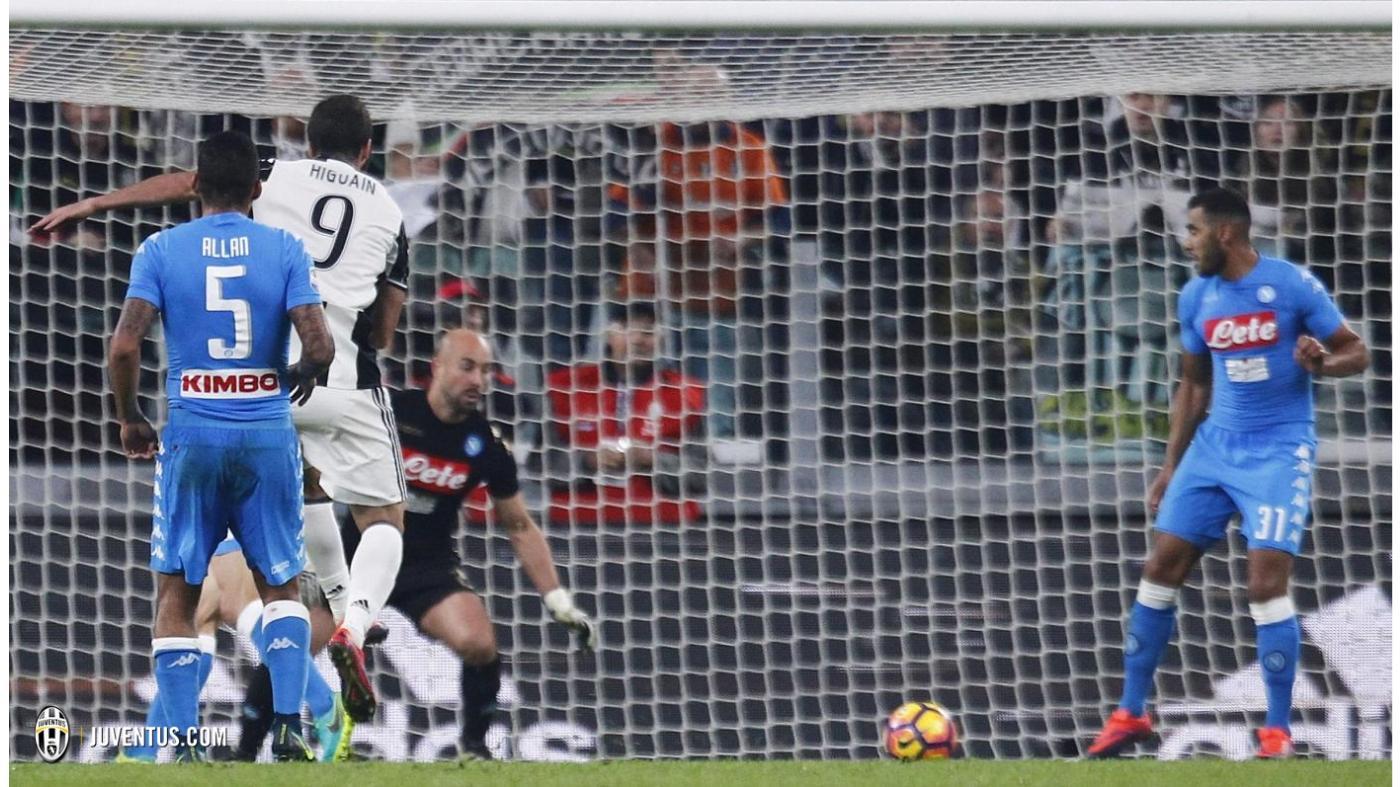 Serie A 11° turno: Gonzalo Higuaìn segna il gol del 2-1 nella partita di sabato sera, foto: juventus.com