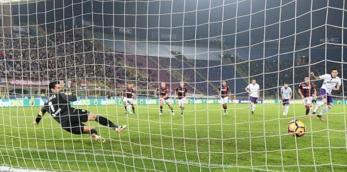 Serie A 11° turno: Nikola Kalinic spiazza Da Costa per il vantaggio viola a Bologna