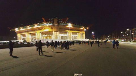 Stadio San Siro di notte