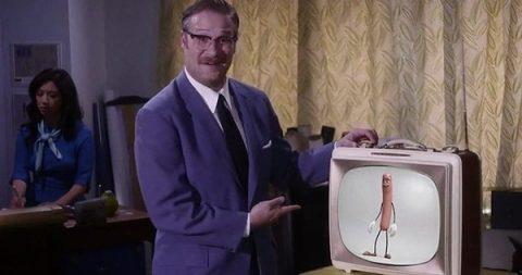 Uno dei colpi di genio è il teaser con Seth Rogen che fa il verso a niente che popo di meno Walt Disney