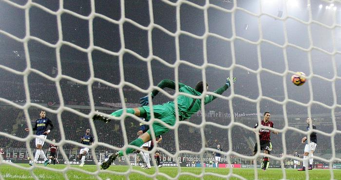 Serie A IMDI 13° turno: il primo gol di Suso nel Derby di Milano, visto dalla porta di Handanovic