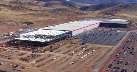Stato avanzamento costruzione Gigafactory a Novembre 2016. Fonte: https://www.youtube.com/watch?v=BkbA2FnQSpk