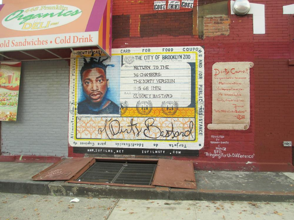 "Graffito raffigurante Ol' Dirty Bastard a Brooklyn, copertina del suo album ""Return to the 36 Chambers: The Dirty Version"""