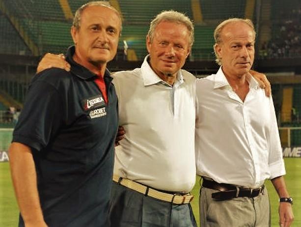 Delio Rossi, Maurizio Zamparini e Walter Sabatini in posa allo stadio Renzo Barbera di Palermo
