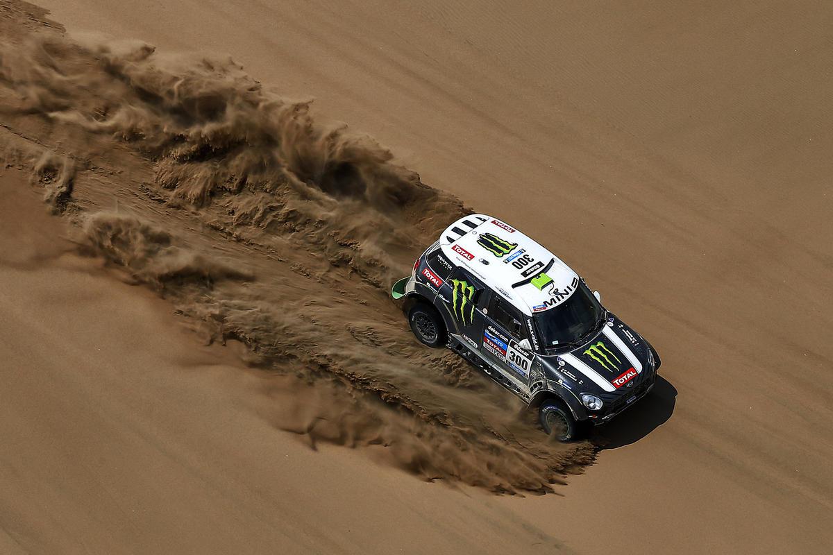 """Monsieur Dakar"" Stèphane Peterhansel, durante l'edizione della Dakar 2014"