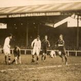 05 – Junqueira e Friedenreich avançam para o ataque no jogo contra o Stade Français